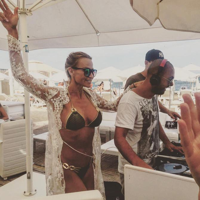 Giorgio Kampo partying with people @ Les Palmiers Beach Club in St Tropez / M8TE - www.djsttropez.fr